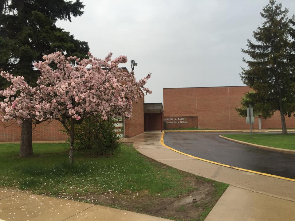 Klager Elementary School Building in the spring